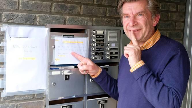 """Opnieuw mezenkoppeltje in brievenbus van flatbewoner Daniel (64): """"Een klein gelukje"""""""