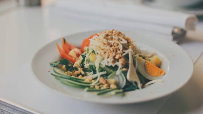 4 fitnesstrainers verklappen wat ze nooit eten als lunch