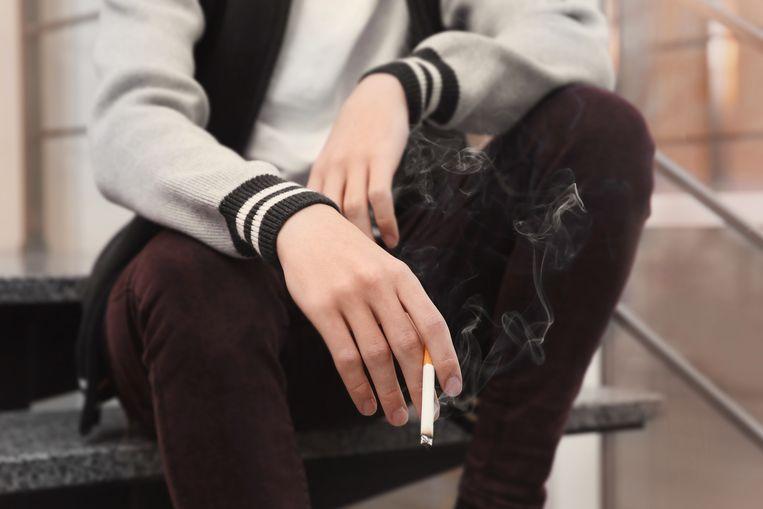 Volgens het centrum verklaart een hoog percentage rokers onder vrouwen enkele decennia geleden dat longkanker onder vrouwen vaak voorkomt in Nederland. Beeld ShutterStock