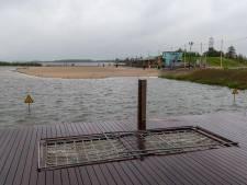 Strandeiland Harderwijk zakt stukje bij beetje terug het water in: 'Daar is weinig tegen te doen'