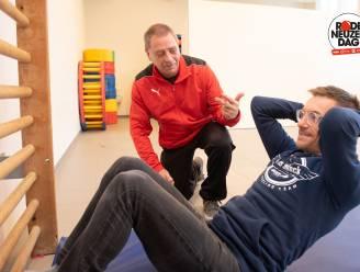 """""""Ik heb mijn carrière te danken aan meester Eric"""":  wielrenner Dries Devenyns ziet zijn turnmeester terug in de vrije basisschool in Berchem"""