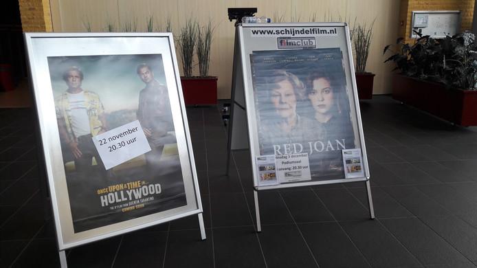Links een film van Spectrum Film (Once upon a time in... Hollywood) en rechts een van de Filmclub: Red Joan.