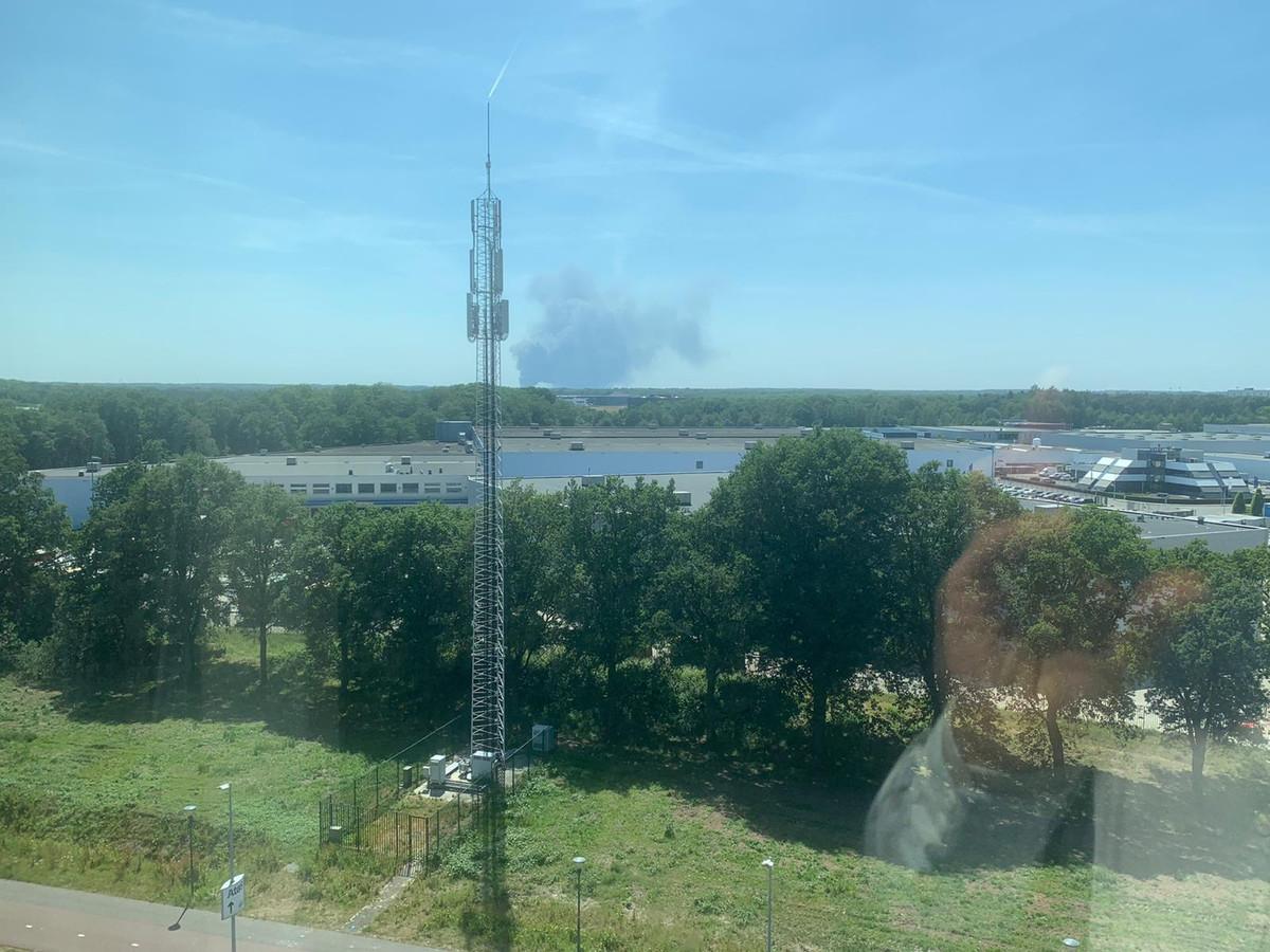 De rookpluim vanuit Eindhoven.