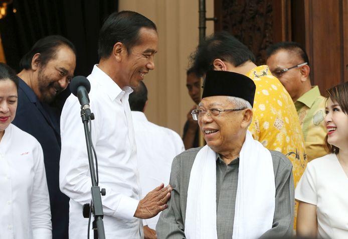 President Joko Widodo (links) met vice-president Ma'ruf Amin.