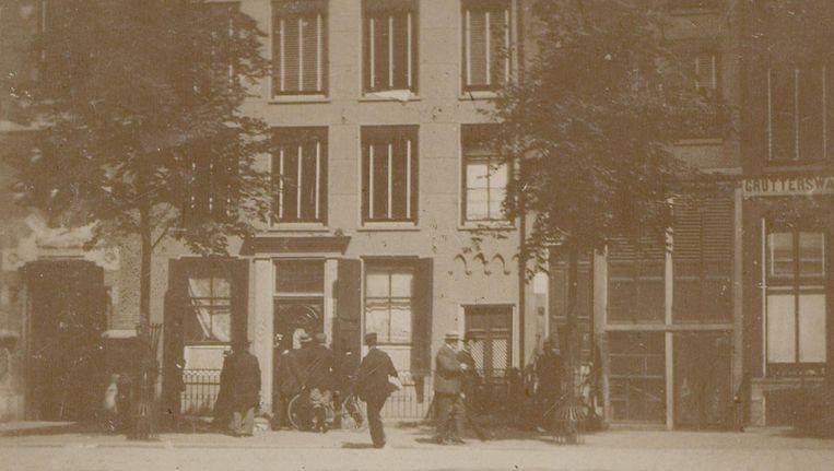 Hoerenhuis Maison Weinthal, later Hotel Weinthal genoemd, tijdens de sluiting van het pand, 2 juni 1902 Beeld Collectie Stadsarchief