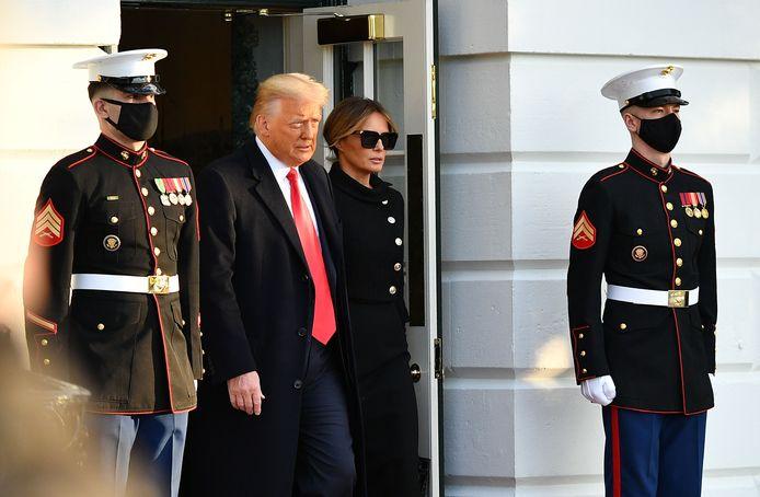 Donald en Melania Trump bij hun vertrek uit het Witte Huis, de ochtend dat Joe Biden de eed zou afleggen als de volgende president van de Verenigde Staten.