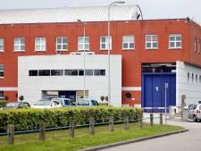 Gevangene gooit braadvet over medewerker: eerste- en tweedegraads brandwonden