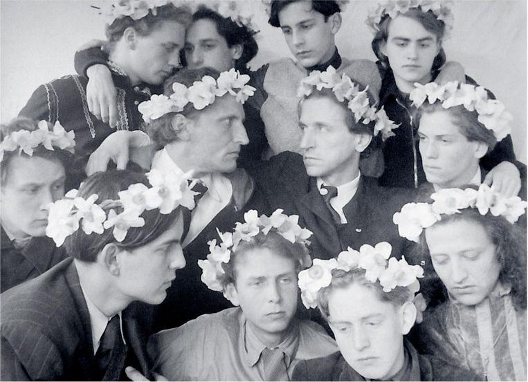 Castrum Peregrini met Wolfgang Frommel rechts in het midden Beeld Archief Castrum Peregrini Amsterdam