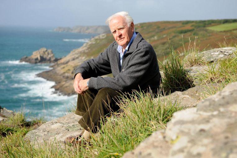 David John Moore Cornwell (85), alias John le Carré, in de buurt van zijn huis in Penzance, Cornwall. Beeld Hollandse Hoogte