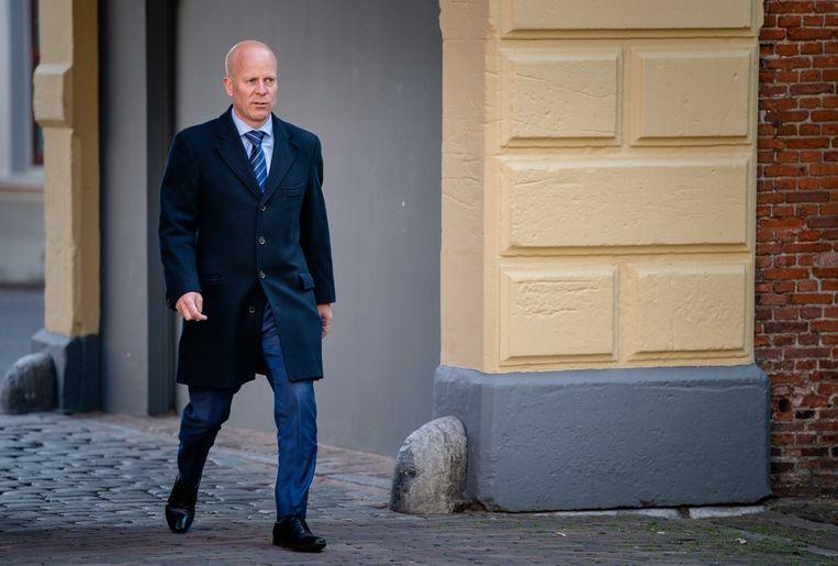 Staatssecretaris Raymond Knops van Binnenlandse Zaken en Koninkrijksrelaties (CDA), in april, bij aankomst op het Binnenhof voor de wekelijkse ministerraad. Beeld ANP