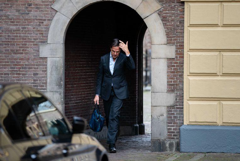 Dat Mark Rutte op het Binnenhof aankomt voor de wekelijkse ministerraad hoeft niet nog eens vier jaar. Beeld ANP