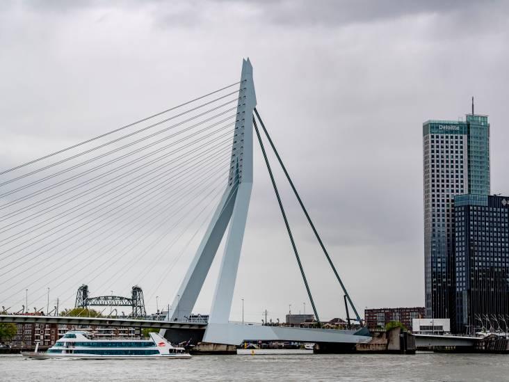 'Baas aan de Maas' Riek Bakker looft jarige Erasmusbrug: 'Het is een symbool geworden'
