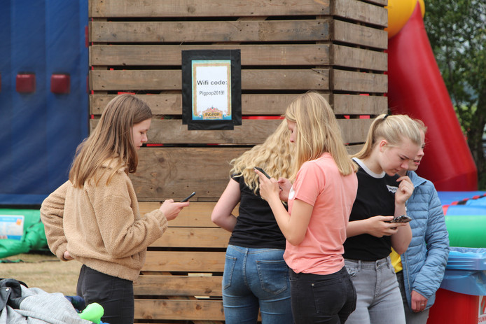 Gratis wifi in een hoekje van het festivalterrein.