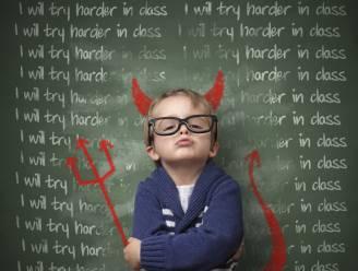 Hoe je kind op te voeden in het post pedagogische tik-tijdperk