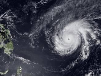 Supertyfoon Maysak in Stille Oceaan eist 5 doden