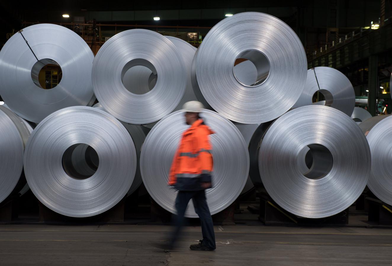 Staal in een fabriek in Duitsland. De Europese Unie blijft voorlopig vrijgesteld van de Amerikaanse invoerheffingen op staal en aluminium. De Amerikaanse president Donald Trump heeft zijn beslissing over de heffingen uitgesteld tot 1 juni.