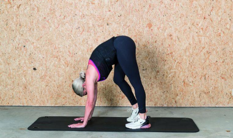 Stretchoefening voor de kuiten.