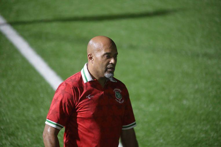 Bondscoach Dean Gorré tijdens een training van het Surinaams nationaal elftal Beeld ANP