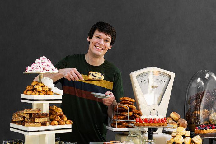 Rutger van den Broek is een Nederlands schrijver van kookboeken. Hij is in 2013 landelijk bekend geworden als winnaar van het tv-programma Heel Holland Bakt.