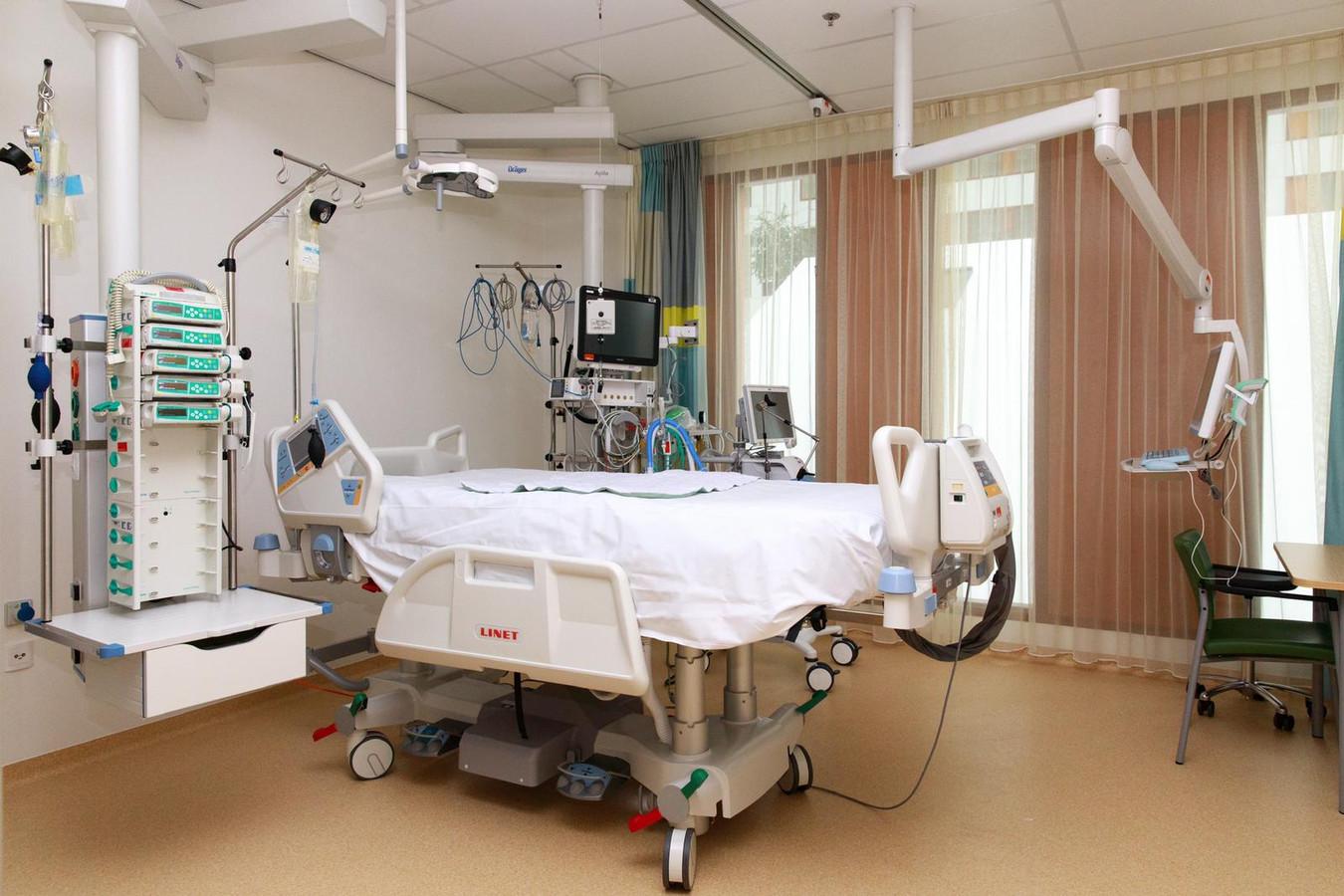 Een bed op de intensive care van het Medisch Spectrum Twente.