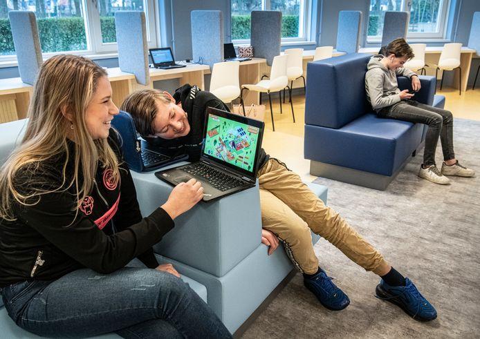 Leerlingen van het Maaswaal College (locatie Oosterweg in Wijchen) zijn de eersten die de Maaswaal Game mogen spelen. Vanaf volgende week is het spel online voor iedereen te spelen, zodat groep achters virtueel kennis kunnen maken met de middelbare school