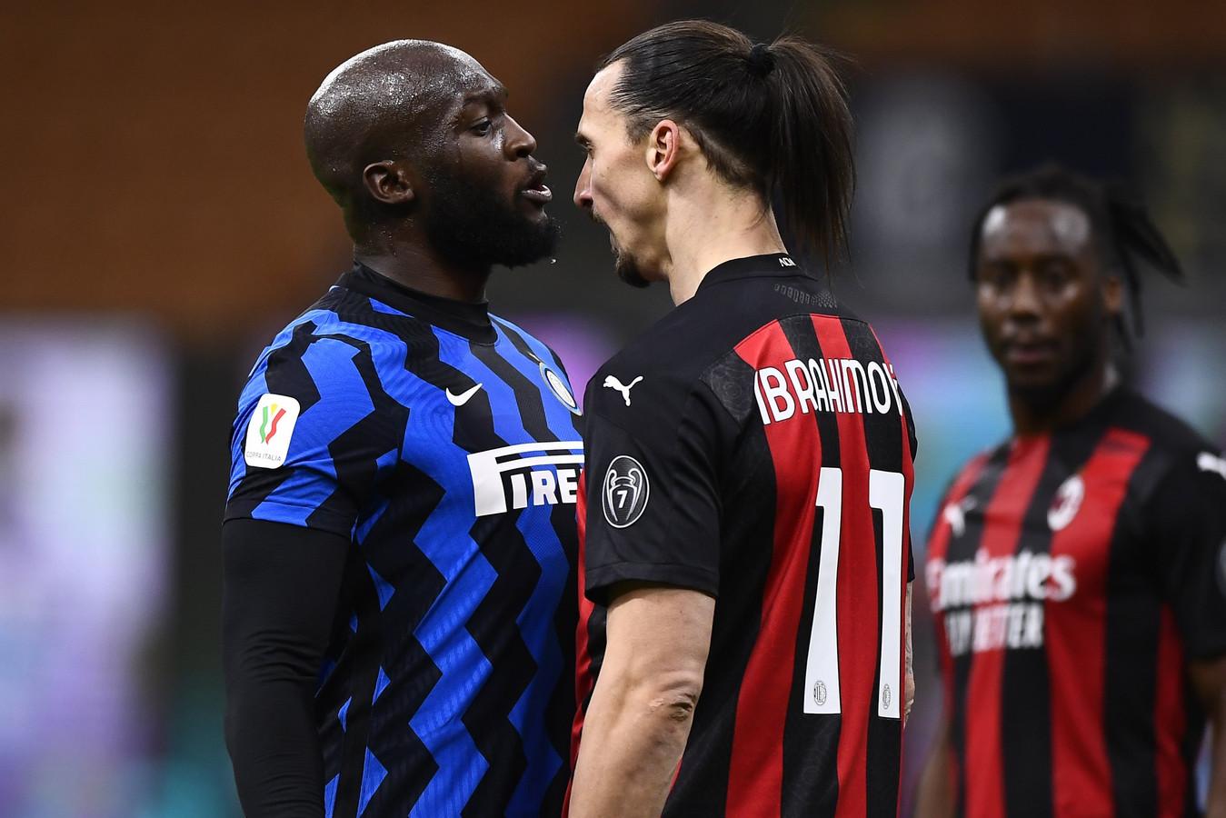 La tension était bien palpable entre Lukaku et Ibrahimovic lors d'un derby milanais en Coupe d'Italie, en janvier dernier.