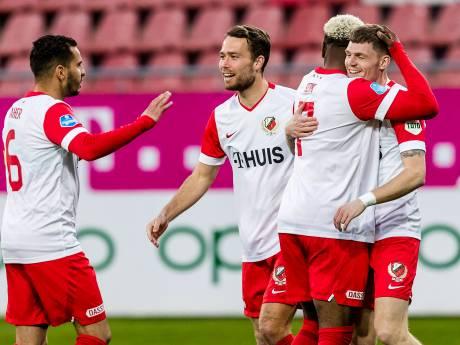 FC Utrecht ziet Feyenoord wankelen en mag dromen van plek 5: 'We zijn ons doel nooit uit het oog verloren'