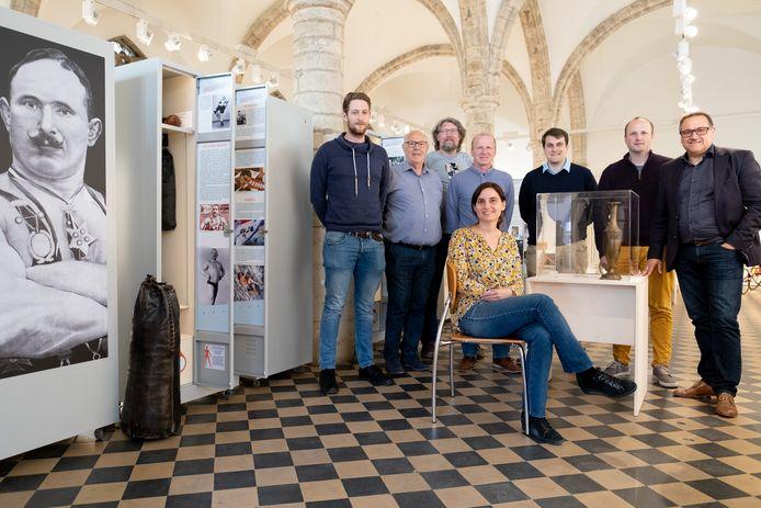 De mobiele tentoonstelling 'Erfgoedkampioen - Kampioenenerfgoed' is de komende drie weekends te bezoeken in het Vleeshuis in Lier.