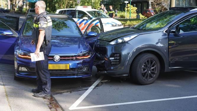 Automobilist gewond geraakt bij botsing in Rijen