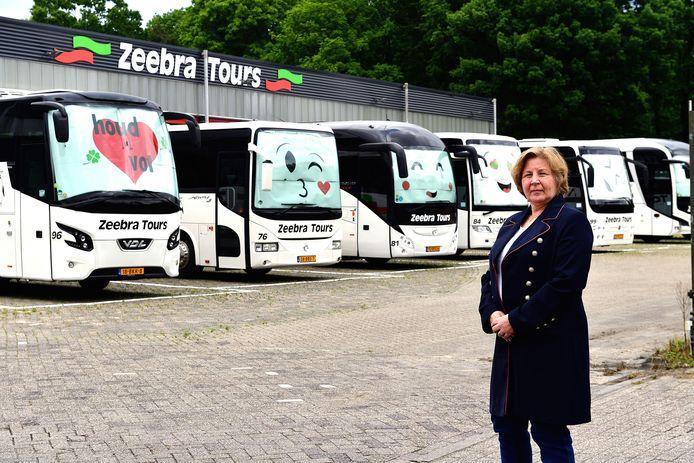 Touringcarbedrijf Zeebra Tours langs de A4 bij Bergen op Zoom, gerund door José Dijkman (foto) en Joop Vreugdenhil, ontwikkelt een plan om achter hun terrein een nieuwe vrachtwagenparking voor zo'n 100 trucks te realiseren.