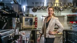 Twee keer verloor Anca Petrescu haar chef én haar Michelinster. Maar plooien? Geen sprake van