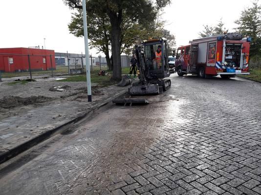 Aan de Wattweg wordt gegraven om het lek te zoeken.