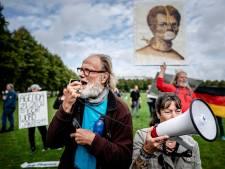 Coronabetogers gedwongen om Malieveld te verlaten: Totaal acht aanhoudingen