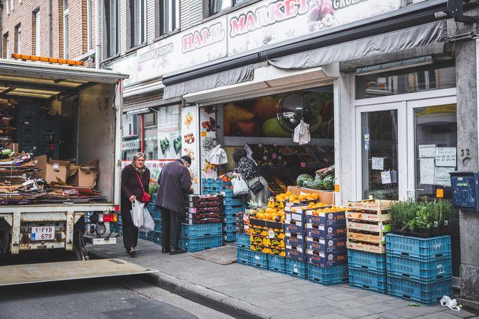 De stad Gent plaatst stewards aan de Turkse buurtwinkels in onder meer de Bevrijdingslaan.