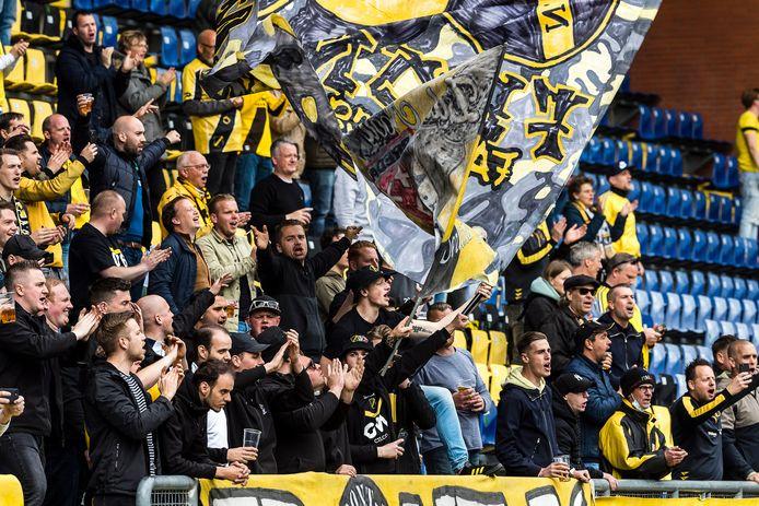 De Yellow Army wil de club terug.