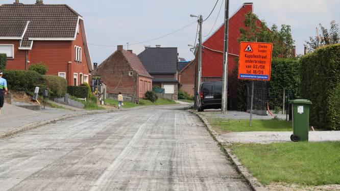 Wegen en Verkeer werkt sinds 2 augustus verder aan vernieuwing asfaltverharding op Kapellestraat