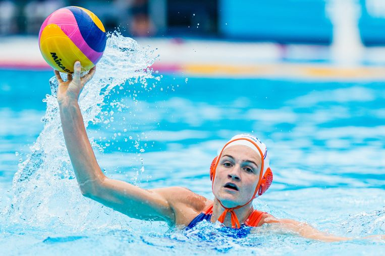 Waterpoloster Maud Megens
