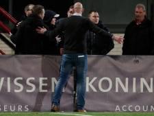 Supporters TOP Oss door het lint: wedstrijd tegen Twente tijdelijk stilgelegd