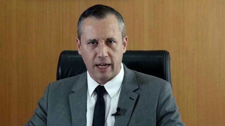 De Braziliaanse minister van Cultuur Roberto Alvim in het filmpje waarin hij zijn gewraakte uitspraken deed. Beeld EPA