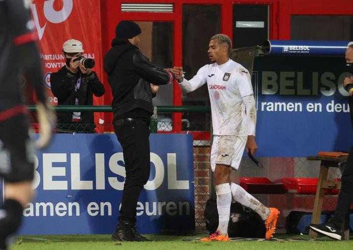 Lukas Nmecha a soigné ses stats sur la pelouse du Stade des Eperons d'Or.