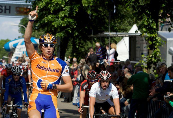 In 2008 was Coen Vermeltfoort ogenschijnlijk op weg naar de wereldtop. Hier wint hij een etappe in Olympia's Tour.