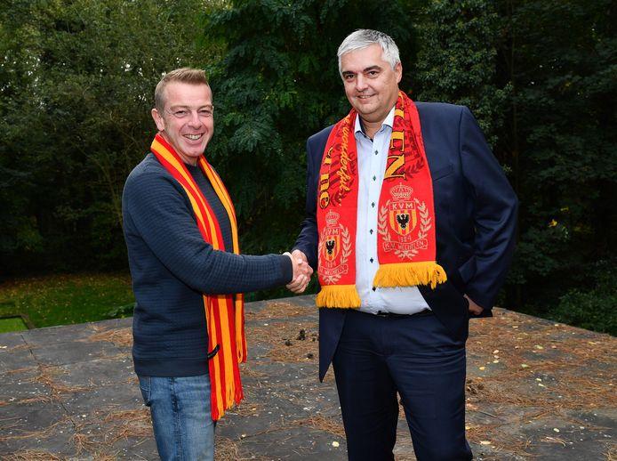 Dieter Penninkcx, hier links op de foto met algemeen directeur Frank Lagast naast hem.