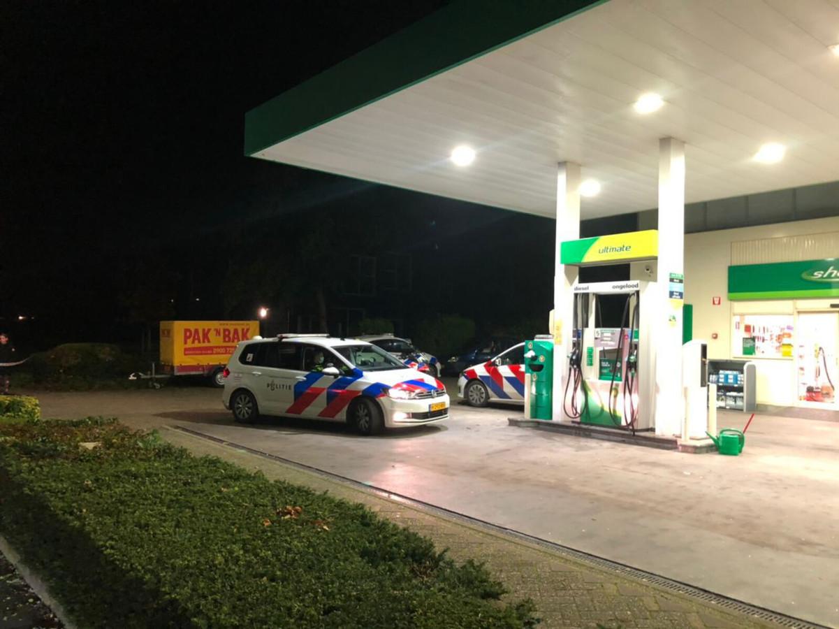 De politie verricht onderzoek naar de mislukte overval op het tankstation in Winterswijk.
