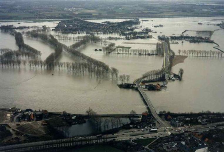 December 1993 was de schade enorm toen de Maas buiten haar oevers trad. Beeld AEROCAMERA - MICHEL HOFMEESTERS/PPN