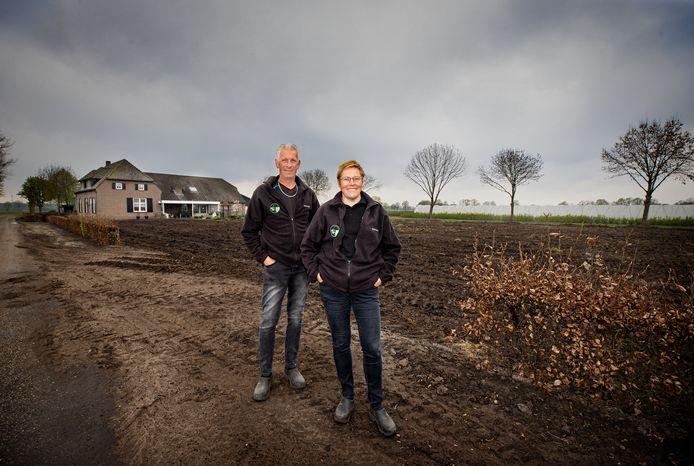 Paul en Corrie van den Broek uit Gemert. Vijf lange jaren waren ze bezig met het vinden van een nieuwe bestemming voor de (inmiddels gesloopte) varkensstallen.