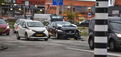 Lichtgewonde bij kop-staartbotsing in Breda