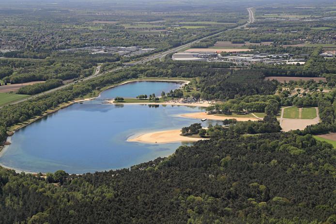 Landgoed Duynenwater bij Eersel, voorheen het E3-strand. ASML heeft plannen om hier een 'slim overstappunt' voor zijn werknemers in te richten (archieffoto) .