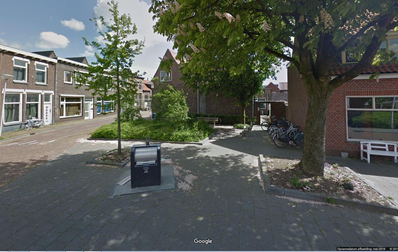 De hoek Kleine Baan-Hoogstraat.