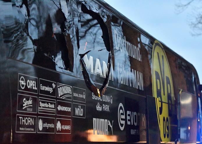 De beschadigde spelersbus