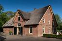 Het koetshuis - 'the awesome coachhouse' - bij het slot in Rossum is qua inhoud even groot als het slot (ruim 2600 kubieke meter).